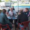 zrf2007-10.U nedjelju je bilo raspremanje. Oko stola su Zdravko 9a6zt (zaklonjen), Ivica 9a2hw, Zdenko 9a2hi, Branko 9a5abh i ja.